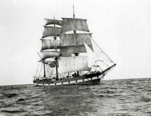 The Polly Woodside used to be called Rona. This is the Rona sailing in 1914.