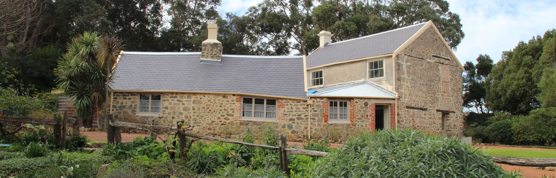 Old Farm, Strawberry Hill - Albany