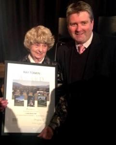 News_March-15_Lesley-Barnes-Award_